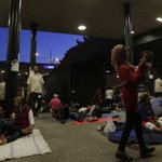 Hundreds of migrants stranded outside Budapest railway station after police seal off terminal http://t.co/k8qN88UCS8 http://t.co/BUa8GNnv3W