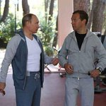 У Путина не только штаны за 83 тыс рублей, но и спортивная кофта за 117 тыс. А чего добился ты?   http://t.co/tIyKQ1ov0Q