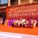 Part of the 2nd convocation @SriSriU with Honble CM of Odisha, Sri Naveen Patnaik. http://t.co/r8wGG4T7lZ @SriSri