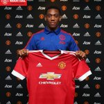 United resmi mengumumkan transfer Anthony Martial. Welcome, kid! http://t.co/7uj4nQ0vOU