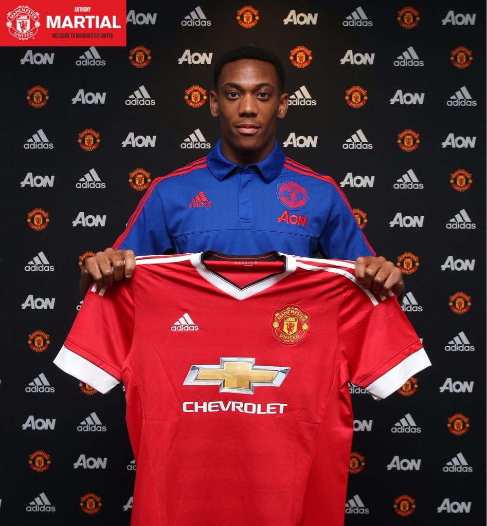 Semoga tidak over expectation #WelcomeMartial #mufc http://t.co/KgY1CyVFkH
