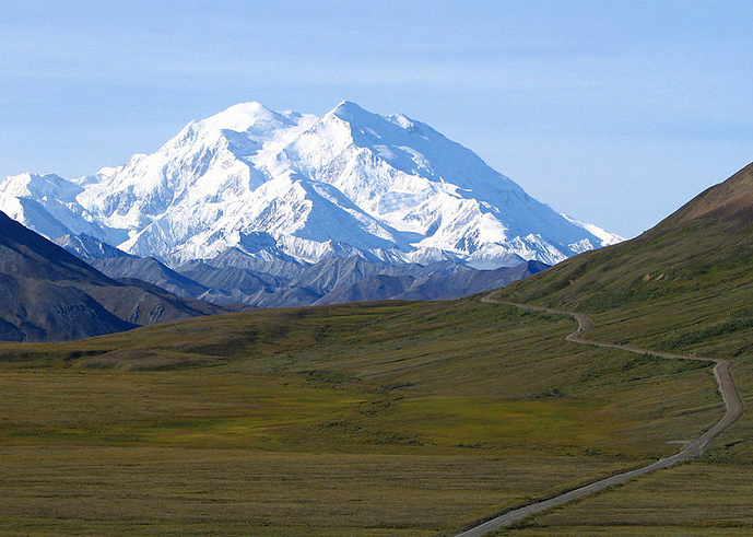 """Mt. McKinley's former and new name, """"Denali,"""" does not mean """"black power"""" in """"Kenyan"""": http://t.co/R2eVS483Sx http://t.co/ZRSwycLyOD"""