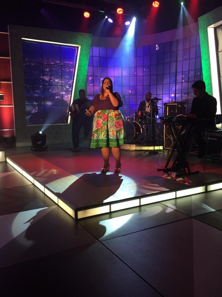 Este domingo @ConJatnna abre sus puertas a nuevo talento y presenta la primera televisión de @MadeHernandez http://t.co/8oP5vF4Fda