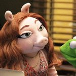 Denise wasnt with Kermit when he was licking flies in the pond http://t.co/qYNTogkmsm