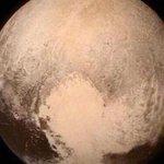 La @NASA reveló un impresionante video de #Plutón. >>http://t.co/9XVKemA8U4 http://t.co/8DcvwhE7Hx