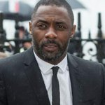 James Bond writer issues apology over Idris Elba remarks, after facing a backlash http://t.co/c4vzm5hIeh http://t.co/9dDmRWjX65