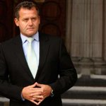 Princess Dianas former butler Paul Burrell to enter the #CBB house TONIGHT! http://t.co/5Yjf4gEPWQ http://t.co/1SUPdIXb4V