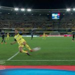VIDEO: Chievo midfielder Riccardo Meggiorini with the assist of the season! Insane back heel!..http://t.co/RNSGA72aBY http://t.co/iglZPUOaHp
