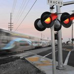 Metrolink plans to buy state-of-the-art locomotives http://t.co/Poqa9MndHS #LosAngeles http://t.co/l6GGgYIkHW