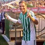 Joaquín is back (vía @RealBetis) #Fichajes http://t.co/pzsUn9dGX6