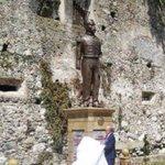 En la inauguración de la estatua de Porfirio Díaz en Orizaba; el alcalde priista fue abucheado #CONTRAPORTADA* http://t.co/R5qed0aW8e