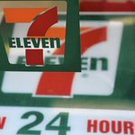 7-Eleven offering delivery in Chicago, but you cant get a Slurpee just yet http://t.co/aTGj1OXDTu http://t.co/tRVuHfggCw