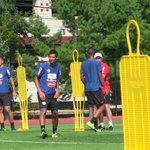 Imágenes del entrenamiento de #LaSele esta mañana previo al juego ante Brasil. http://t.co/ZIvBocuO9V