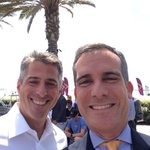 We support #LA2024! @caseywasserman @ericgarcetti #GoTeamUSA ???????? http://t.co/TxCmgBiEtv