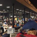 Thousands of migrants forced to sleep on streets of Budapest after Hungary seals off station http://t.co/uPSydr5XgW http://t.co/6KNU8NSHF9
