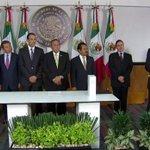 Sigamos dando muestras de que la política funciona por el bien de las y los mexicanos: @OsorioChong #TercerInforme http://t.co/RT4z6sAAtf