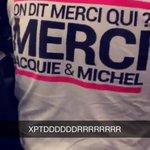 Ptdrrrrr ya un gars de mon lycée il est venu avec ce t-shirt à laise il est fou http://t.co/4RlxOVhn2q