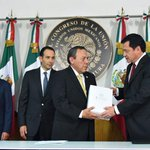 Por instrucción del Pdte. @EPN y cumpliendo el mandato constitucional, entregué el #TercerInforme en @Mx_Diputados. http://t.co/RWwUHUKuTB