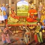 قديماً في مملكة فارس كانوا يناقشون الأفكار مرتين مرة وهم سكارى ومرة وهم واعين لأنهم يعتبرون السكران يحمل أفكار ايضاً http://t.co/SZlaIXkyEh
