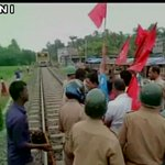 Bharat Bandh live: Protestors in West Bengal block railway tracks, clash in Delhi http://t.co/vdbiFUE3sN (pic: ANI) http://t.co/kBU4EsrAk8