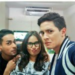 UPDATE © ( @telayrobles ) Bae @aldenrichards02 @sam_yg and Papi Sam, #ALDUBJourneyToForever http://t.co/2zrPrCp2Zd