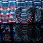 イッセイ ミヤケの素材技術と写真から色を抽出する技術がコラボ http://t.co/FqPoQX8UJ2 http://t.co/I0al3P3Q1c