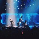 Los chicos durante el concierto del pasado 29 de Agosto en la ciudad de Detroit. http://t.co/eZRkrthadz