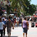 En 2014 el flujo turístico fue de 4.4 millones de visitantes, este año vamos por buen camino para superar esa cifra. http://t.co/FwWO4zPncd