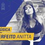 """Anitta LA-CRAN-DO no #PrêmioMultishow2015! """"Ritmo Perfeito"""" ganha na categoria Melhor Música! http://t.co/qTlr5UYFZV"""