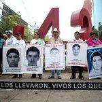"""EPN incumplió sus 10 promesas"": padres de los 43 normalistas presentan #Contrainforme http://t.co/vAlGeLOViS http://t.co/Td8TZ9yWBo"