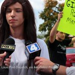 Teens protest a transgender students request to use the girls' bathrooms and locker room http://t.co/gzVdBwPtYU http://t.co/Po3ozsX34G