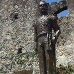 En medio de protestas, develan estatua de Porfirio Díaz http://t.co/mYoWSrK3Vx http://t.co/0FoykhuWUX