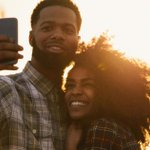 People are celebrating the end of their relationship with divorce selfies: http://t.co/AAMHMqSS9o http://t.co/seYADZM1NK