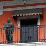 @revistaproceso en Tampico ya hay una estatua de Porfirio Díaz en lugar público, viendo la plaza de la libertad http://t.co/2PkVDi7uyv
