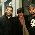 Shah Rukh Khan (@iamsrk) with @MoiezSmurfy and @bhavpatel07 in London yestarday. http://t.co/x077V9DXrB