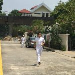 #MParade: PAPs Tan Chuan-Jin sprinting from house to house at Lorong Melayu estate to canvass for votes #GE2015 http://t.co/7sBIDgQAeJ