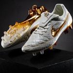 Ontem, a Nike liberou a edição limitada da Tiempo Legend Touch of Gold. Apenas 3000 pares foram feitos http://t.co/gwdq9wEVw0