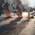 Unza student riot along great east road #zambia http://t.co/zLerfQTbXA