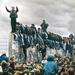 9/11/1989 Il cielo almeno non possono dividerlo #ChristaWolf #DonneEScrittura #Berlin #LaMiaFoto @CasaLettori http://t.co/xHFa8Q19e6