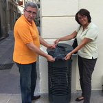 Installation des nouveaux distributeurs de sacs canins avec @lucalbernhe #Montpellier @saurel2014 http://t.co/dn1YnmzePw