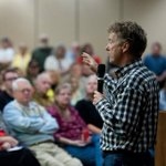 Rand Paul defends Kentucky County Clerk who won't issue marriage licenses http://t.co/v3SJfLcg35 http://t.co/NZJXfnHQDt