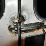 24 refugees rescued from van with doors welded shut in Vienna, Austria http://t.co/y99sNGBlS7 http://t.co/0bYDmPfCyc