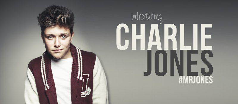 I hadn't seen @CharlieJones in a while so we sat down & had a little chat... Here's what we… https://t.co/Qlkyo235Lg http://t.co/pB0gh16jFP