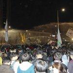 올해 전반기 세월호 참사 관련 집회·시위에 쓴 최루액 양이 600ℓ 이상을 기록했는데, 박근혜 정부 2년치에 육박했습니다. 물대포는 올해만 80t을 썼는데 지난해 10배 http://t.co/SFGH958ezx http://t.co/KP5mW0mY7E
