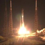 Atlas V rocket launches successfully from Cape Canaveral http://t.co/XEkkCUEBIX http://t.co/TpB9SJSwhX