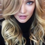How to take a selfie like a supermodel - Candice Swanepoel tells Miss Vogue how: http://t.co/pIDLqM42NI http://t.co/UIw4XuCAVq