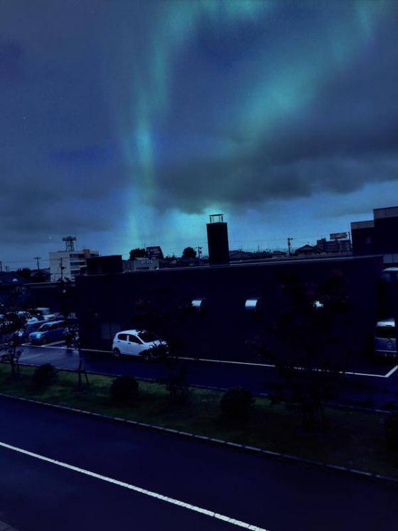 福島県郡山で、オーロラが出ました。なぜでしょう。9月2日。 http://t.co/oEoqxcFFgG
