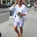 5 Things No Man Should Ever Wear On A First Date http://t.co/RLbhOQ9Qq0 http://t.co/q2vk0LvL7q