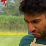 """Its 50% grapefruit juice, 50% blood orange juice and some honey."" Tamal is better at baking than at maths #GBBO http://t.co/JYJxn3Z0VV"