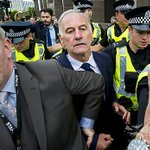 Former Rangers chief executive Charles Green released on bail, Craig Whyte due to appear soon http://t.co/XeQWSu0wlT http://t.co/a3tx3JnJyG